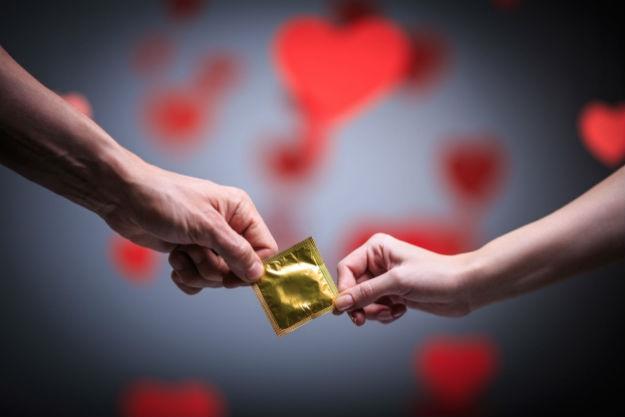 Nećete vjerovati što su sve ljudi koristili umjesto kondoma