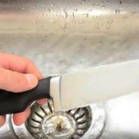 Bez muke: Kako da naoštrite nož u jednom potezu