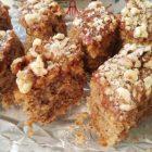 Izdašno i jeftino, a ukusno: Kolač sa orasima preliven karamelom